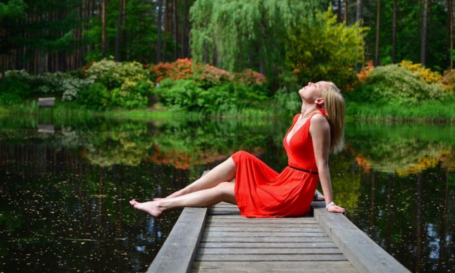 Jaki Kolor Paznokci Do Czerwonej Sukienki Modowostylowopl